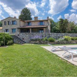 V2183C Umbrian property near Todi for sale (13)