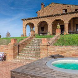 V3392AB Farmhouse near Siena for sale (1)-1200
