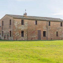 V3392AB Farmhouse near Siena for sale (11)-1200