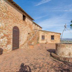 V3392AB Farmhouse near Siena for sale (16)-1200