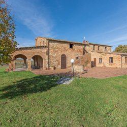 V3392AB Farmhouse near Siena for sale (18)-1200