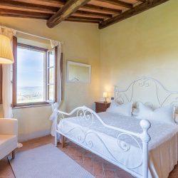 v4683ab Frescoed Apartment with Terraces in Cortona 24