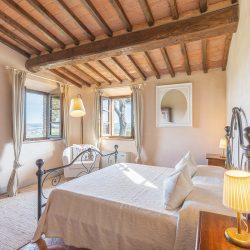V3392AB Farmhouse near Siena for sale (32)-1200