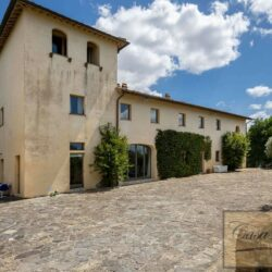 V4000PV Stunning Villa with Pool for sale near Florence Tuscany (3)-1200