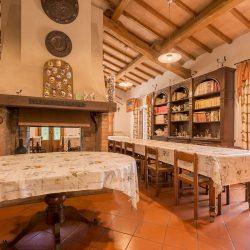 V4151 Large farmhouse for sale near Siena (1)-1200