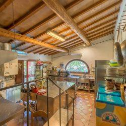 V4151 Large farmhouse for sale near Siena (12)-1200