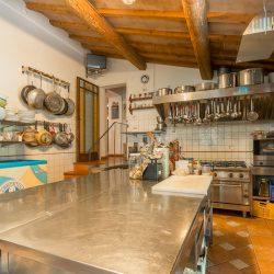 V4151 Large farmhouse for sale near Siena (16)-1200