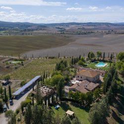 V4151 Large farmhouse for sale near Siena (18)-1200