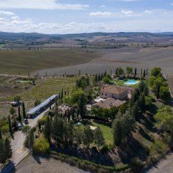 V4151 Large farmhouse for sale near Siena (20)-1200