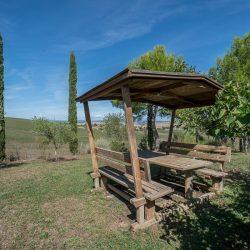 V4151 Large farmhouse for sale near Siena (24)-1200