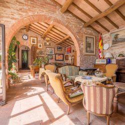 V4151 Large farmhouse for sale near Siena (26)-1200