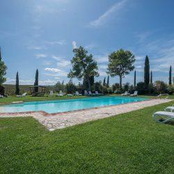 V4151 Large farmhouse for sale near Siena (27)-1200