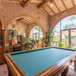 V4151 Large farmhouse for sale near Siena (28)-1200