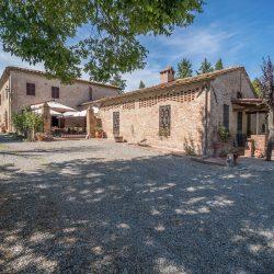 V4151 Large farmhouse for sale near Siena (35)-1200