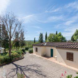 V4151 Large farmhouse for sale near Siena (36)-1200