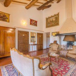 V4151 Large farmhouse for sale near Siena (39)-1200