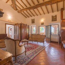 V4151 Large farmhouse for sale near Siena (41)-1200