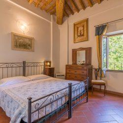 V4151 Large farmhouse for sale near Siena (43)-1200