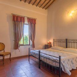 V4151 Large farmhouse for sale near Siena (46)-1200