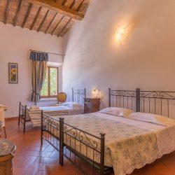 V4151 Large farmhouse for sale near Siena (52)-1200