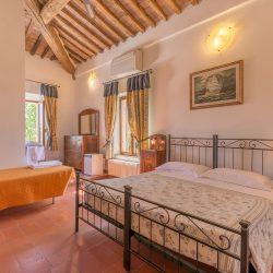 V4151 Large farmhouse for sale near Siena (54)-1200