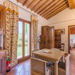 V4151 Large farmhouse for sale near Siena (60)-1200