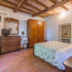 V4151 Large farmhouse for sale near Siena (65)-1200