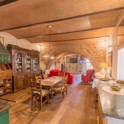 V4151 Large farmhouse for sale near Siena (71)-1200