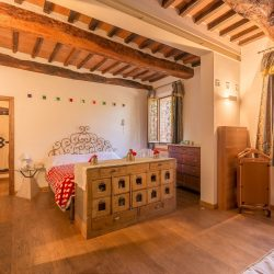 V4151 Large farmhouse for sale near Siena (73)-1200