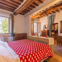 V4151 Large farmhouse for sale near Siena (74)-1200