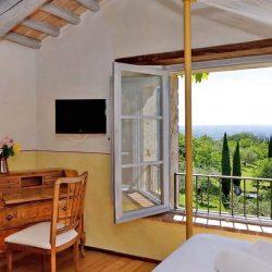 V4595C Villa with Lake View Civitella del Lago (22)