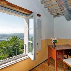 V4595C Villa with Lake View Civitella del Lago (25)