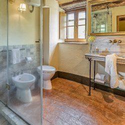 Orvieto farmhouse with pool for sale 10