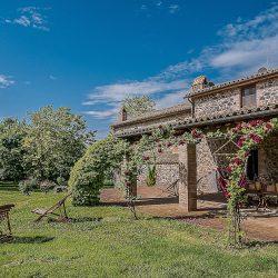 Orvieto farmhouse with pool for sale 2