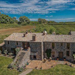 Orvieto farmhouse with pool for sale 20