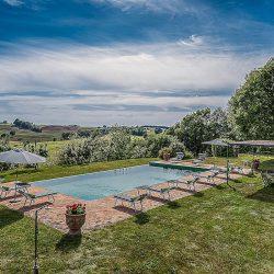Orvieto farmhouse with pool for sale 25