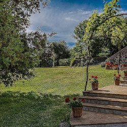 Orvieto farmhouse with pool for sale 41