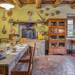 Orvieto farmhouse with pool for sale 35