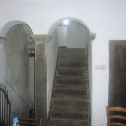 Villa to restore for sale near Bagni di Lucca (1)
