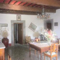 Villa to restore for sale near Bagni di Lucca (19)