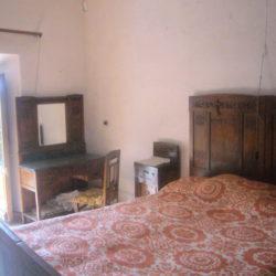 Villa to restore for sale near Bagni di Lucca (4)