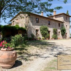 Winery and Agriturismo near Castellina in Chianti 10
