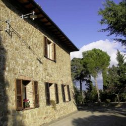 Val d'Orcia Farmhouse with Pool for Sale image 5