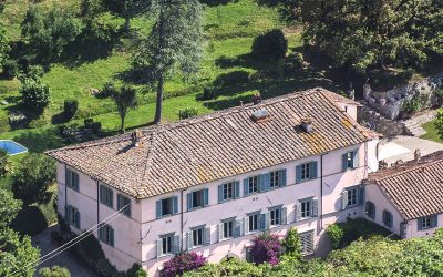 Lucca Villa with Annexes, Chapel and 12 Hectares