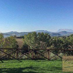 Mountain View Farmhouse Image