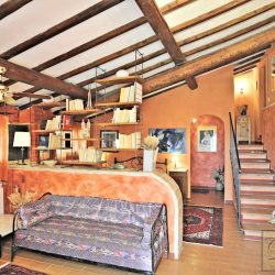 Tuscan B&B Image