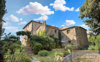 Historic Estate with Views Over Volterra