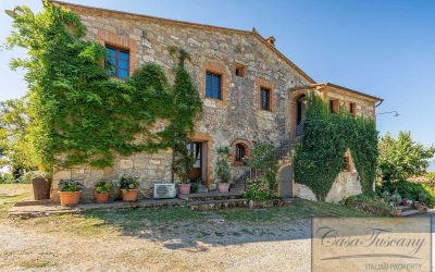 Beautiful Val d'Orcia Farmhouse with Pool