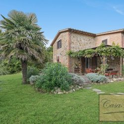 Farmhouse near Citta della Pieve for Sale image 4
