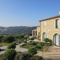 Umbrian Farmhouse with Pool for Sale image 11